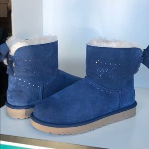 💝New Ugg DAE Sunshine Perforated mini bow boots 9